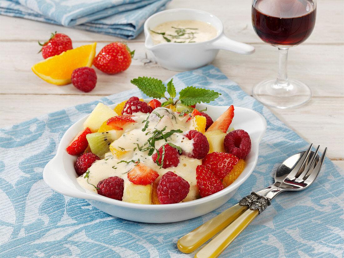 Frische Früchte mit Zabaione
