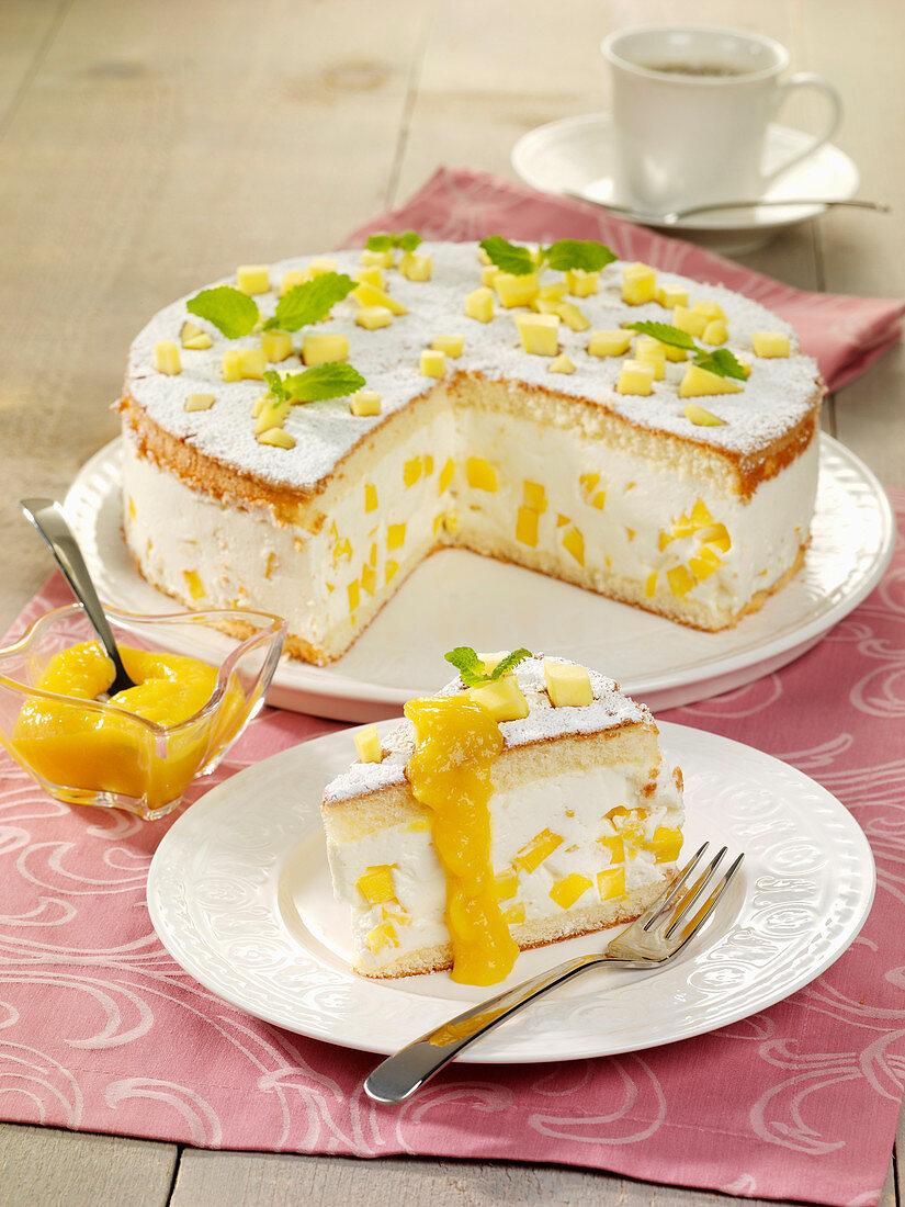 Käsesahnetorte mit Mango