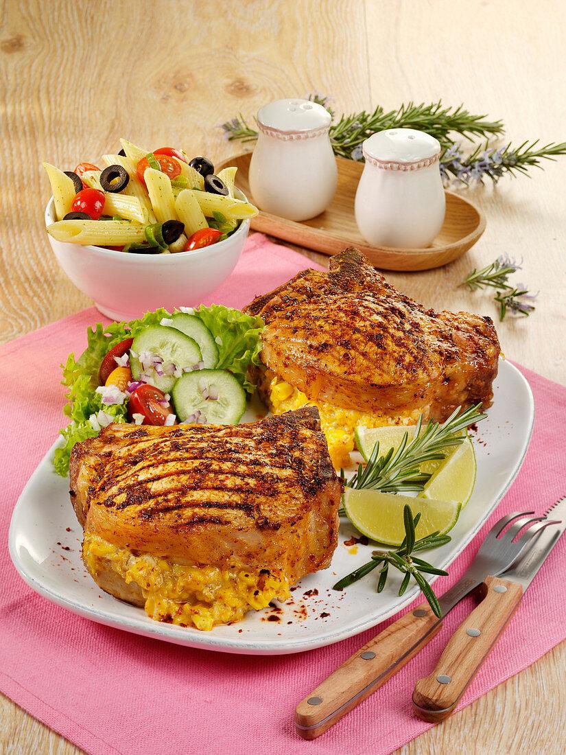 Gefülltes Kotelett mit Mais und Cheddar