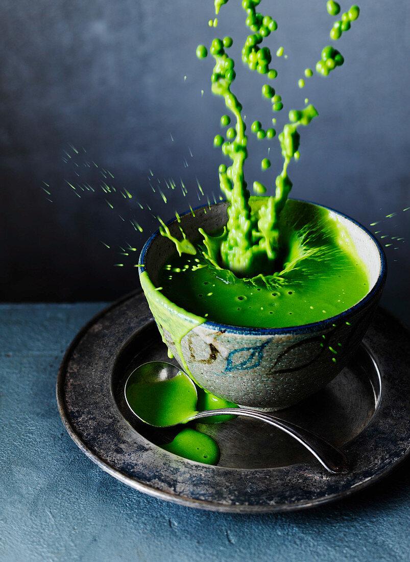Pea soup, splash