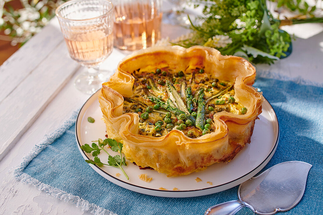 Tarte corolle with asparagus and peas