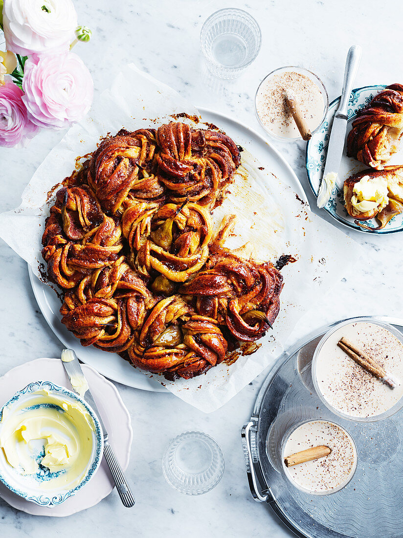 Fig and cinnamon butter bun