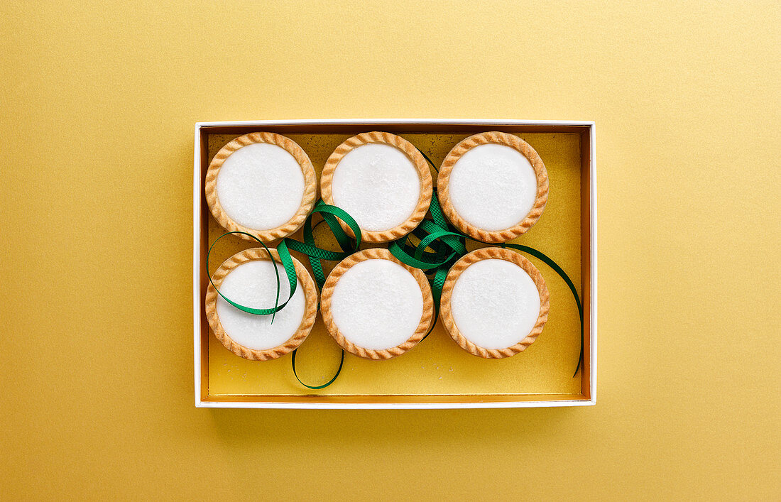 Iced topped mince pies