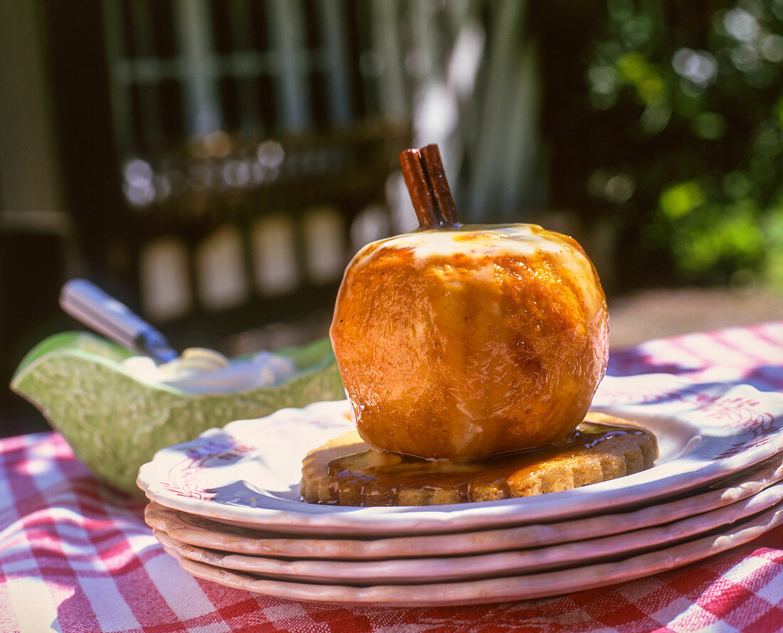 Pomme au four (baked apple, France)
