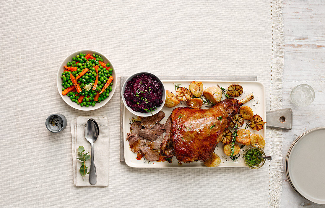 Easter lamb roast with vegetable