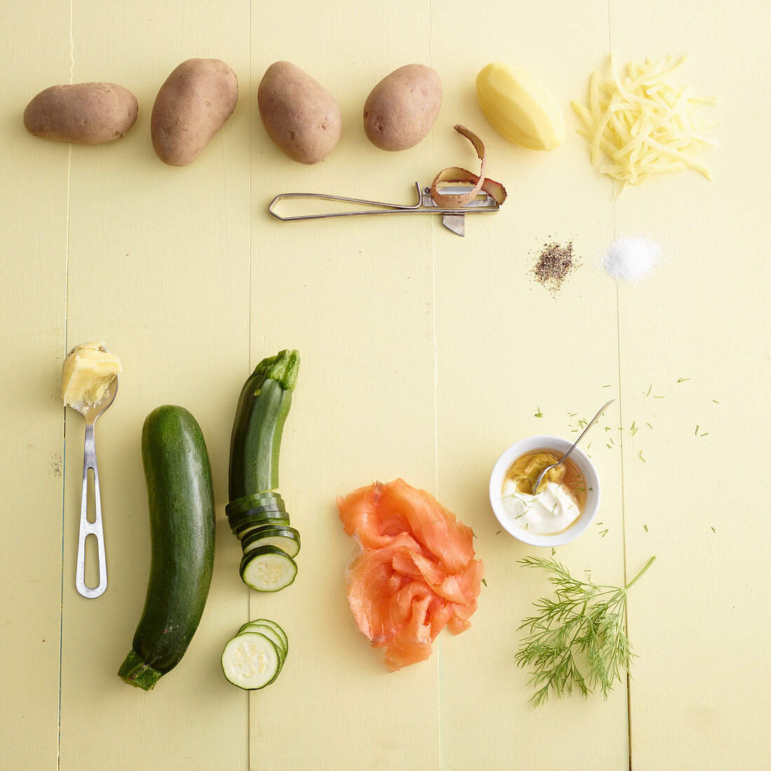 Ingredients for zucchini röstis with smoked salmon
