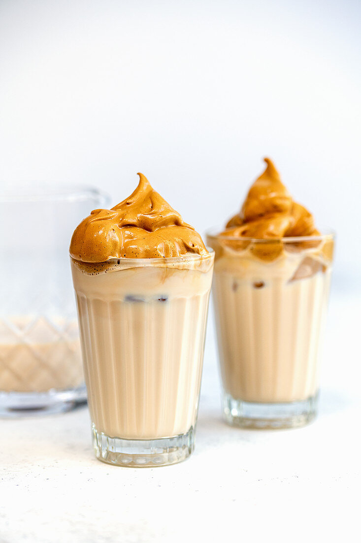 Dalgona Coffee - airy coffee foam and cold milk