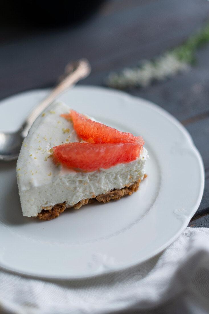 No bake cheesecake with pink grapefruit