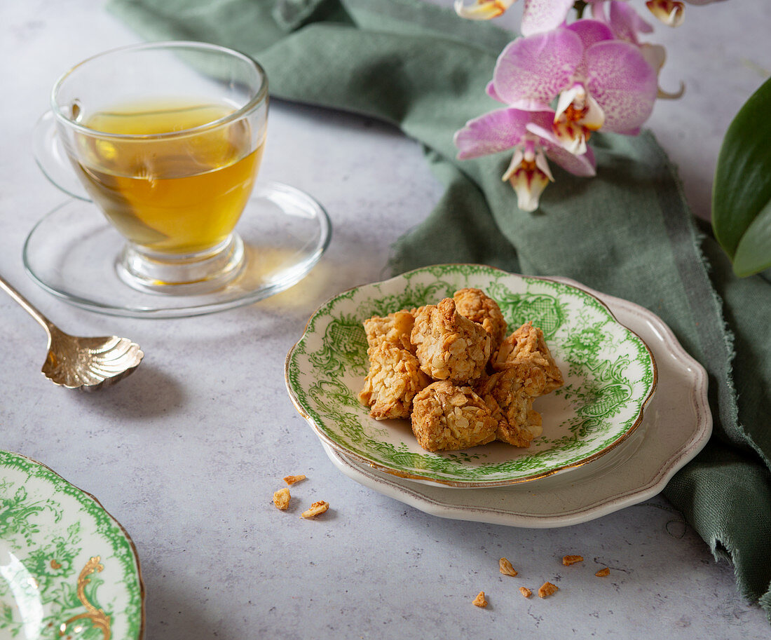 Vegan Cashew and Almond snacks with coconut oil