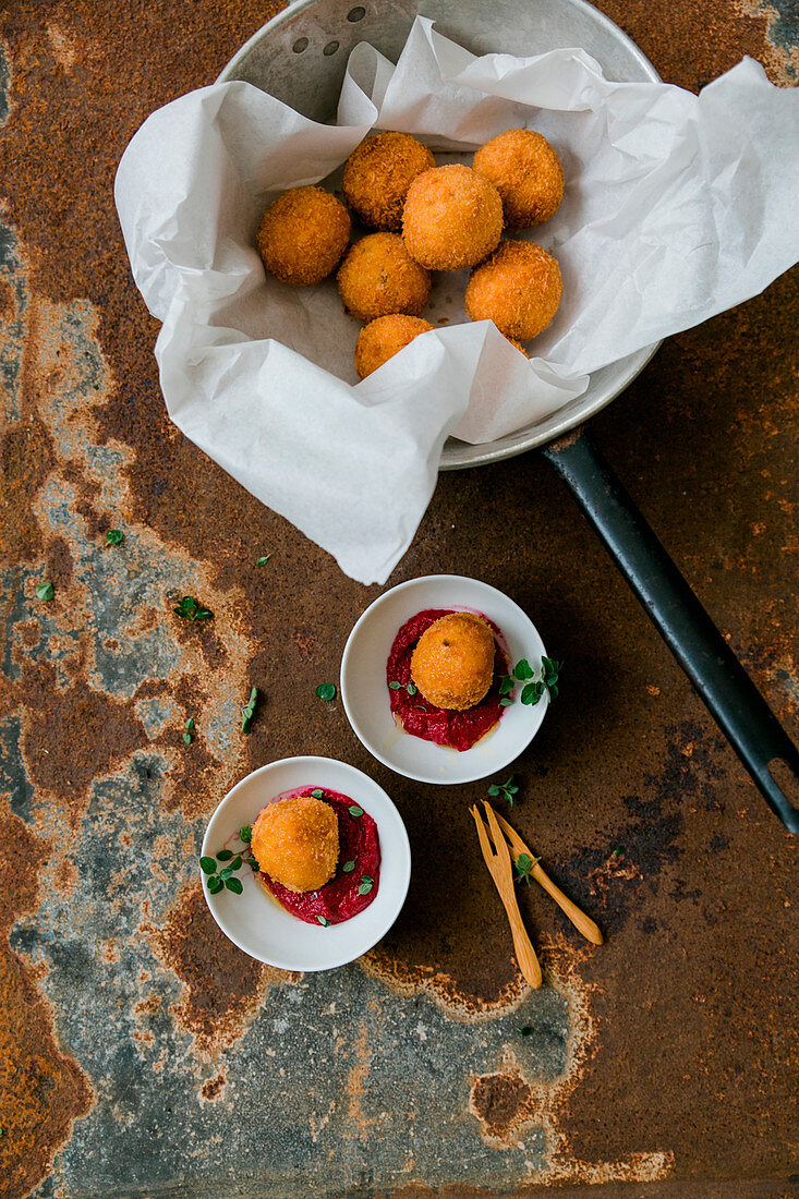 Potato croquettes with beetroot