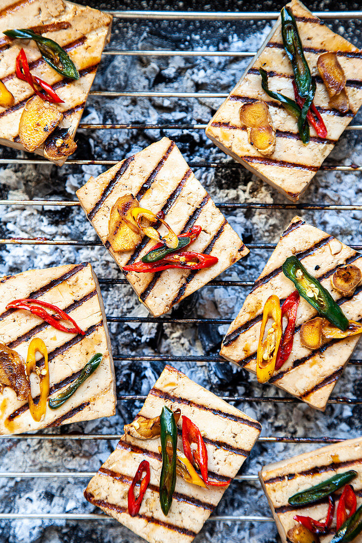 Marinated tofu with colorful chillies from the grill