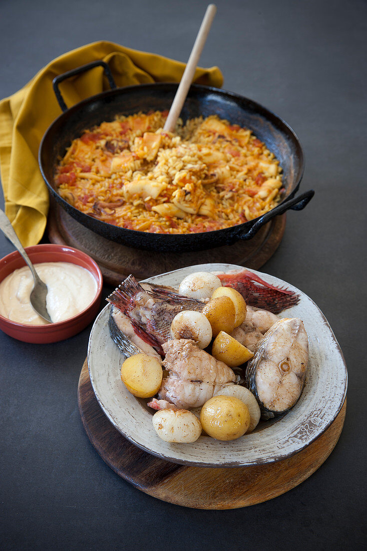 Arros a banda - Spanish rice cooked in fish broth