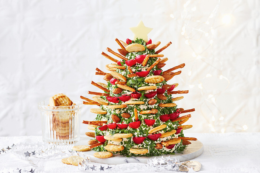 French onion Christmas tree dip