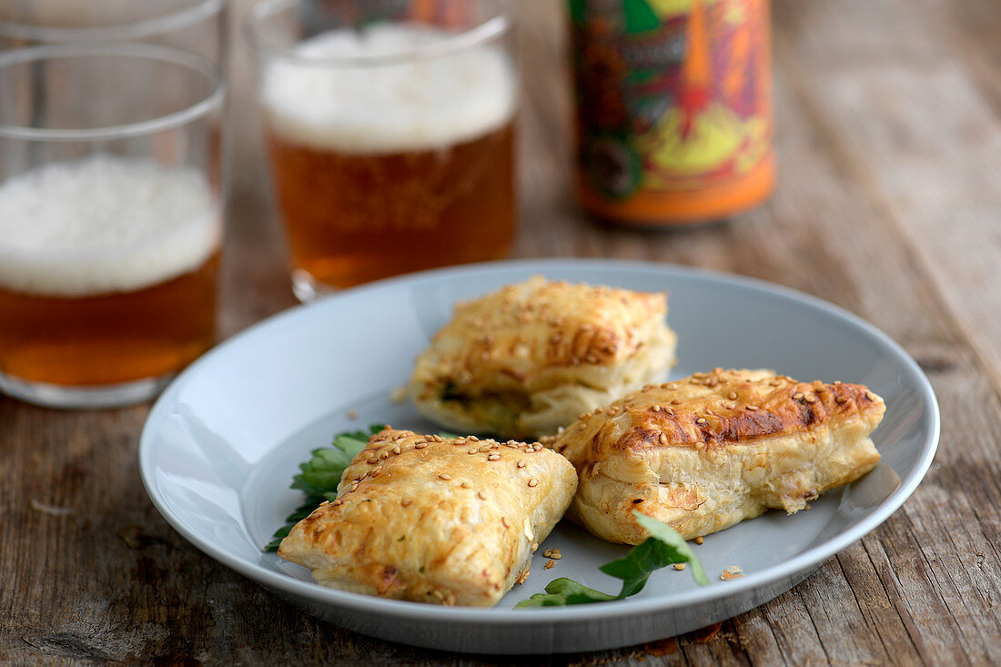 Mini Pies with cheese and asparagus