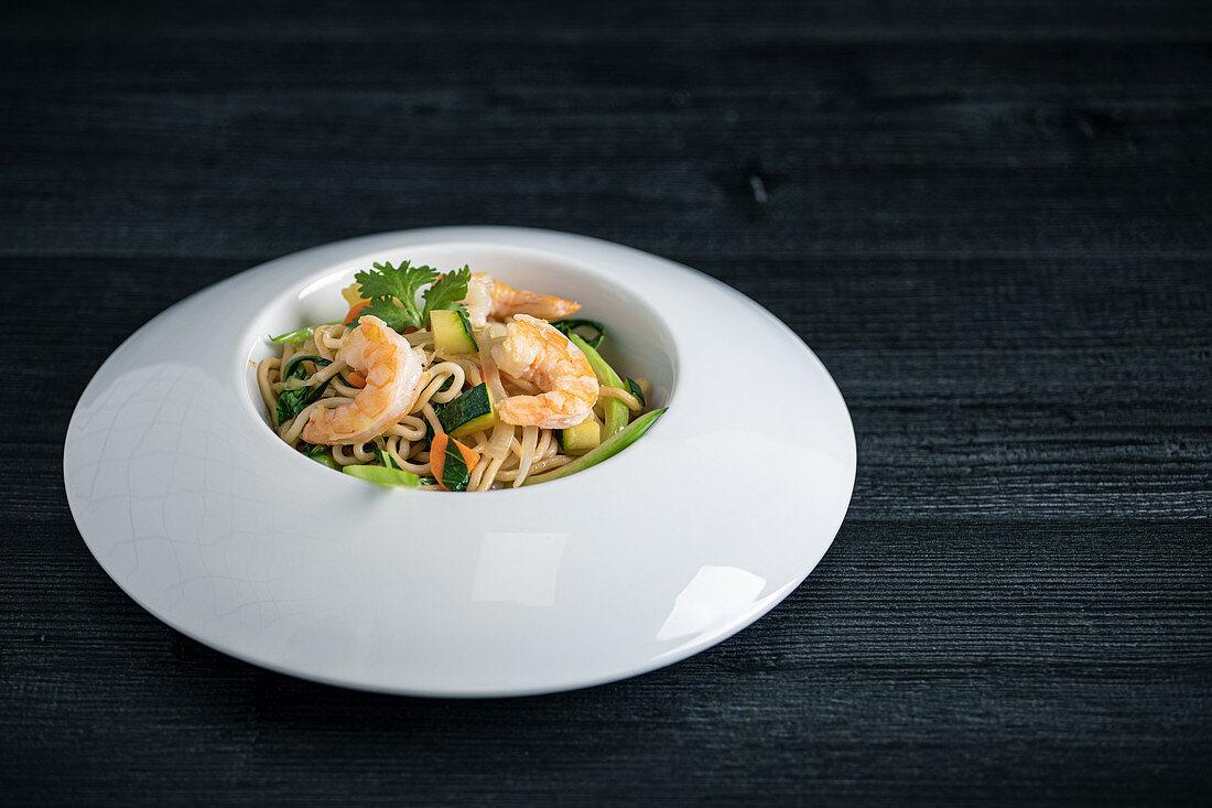 Tasty Pad Thai of vegetables and prawns
