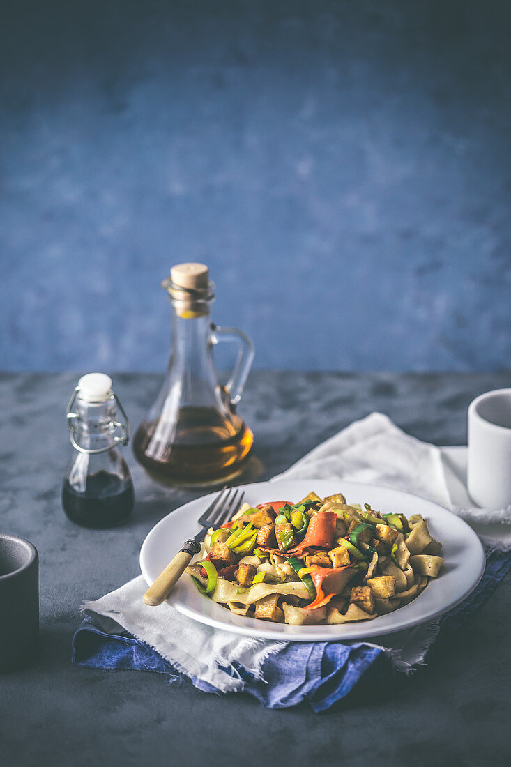 Homemade tagliatelle with tofu and vegetables