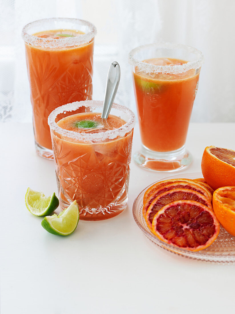 Blood orange drink with lime