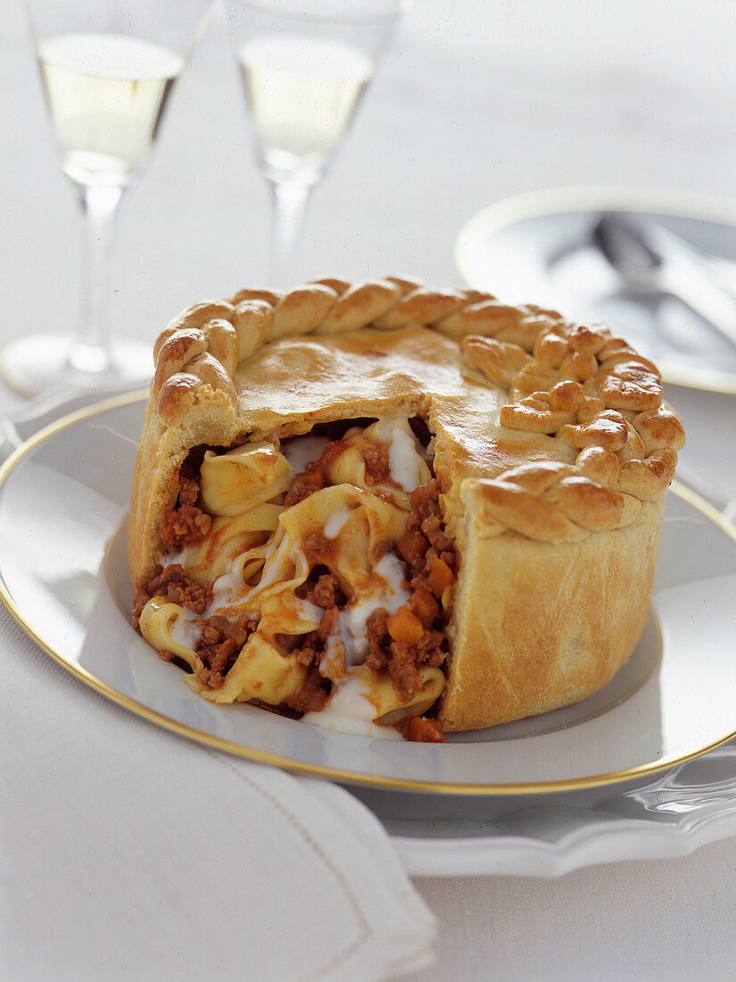 Pasta pie with a meat sauce
