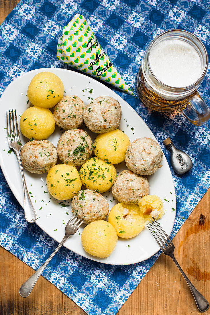 Potato and bread dumplings