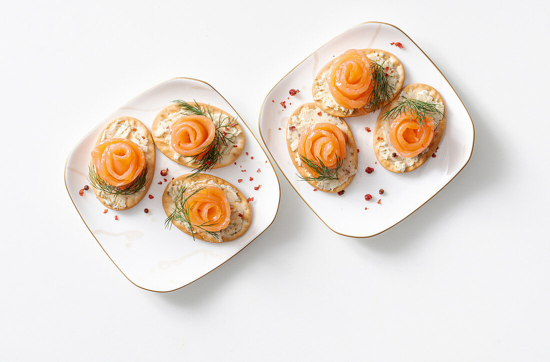 Salted biscuits with smoked salmon and dill