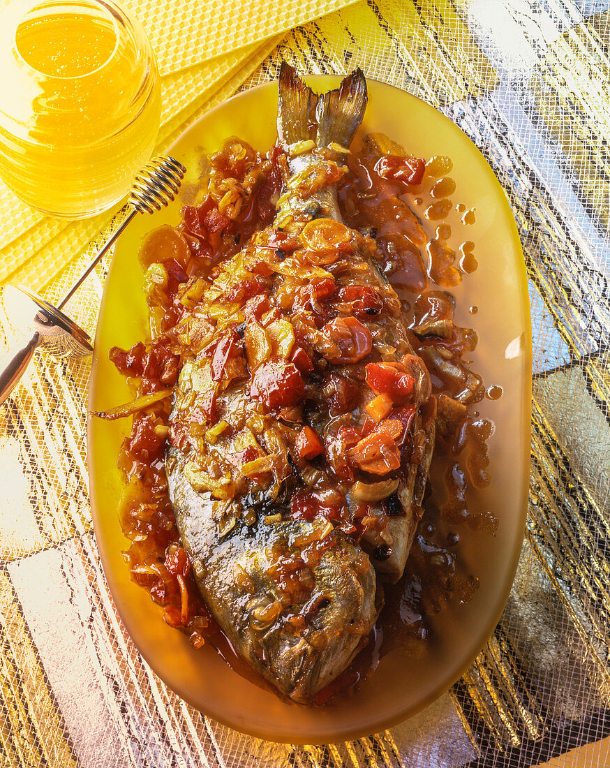 Dorade with honey and vegetables
