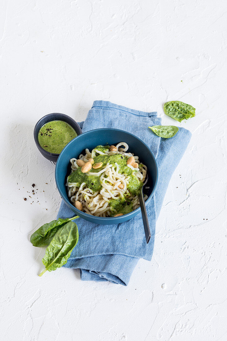 Quick spinach and shirataki noodles with tahini and soy seeds