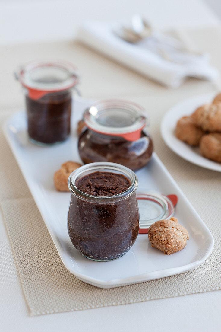 Bonet e amaretti (chocolate dessert with amaretti, Italy)