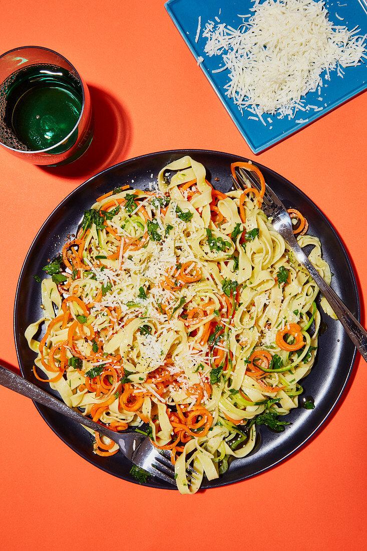 Vegetable pasta aglio e olio