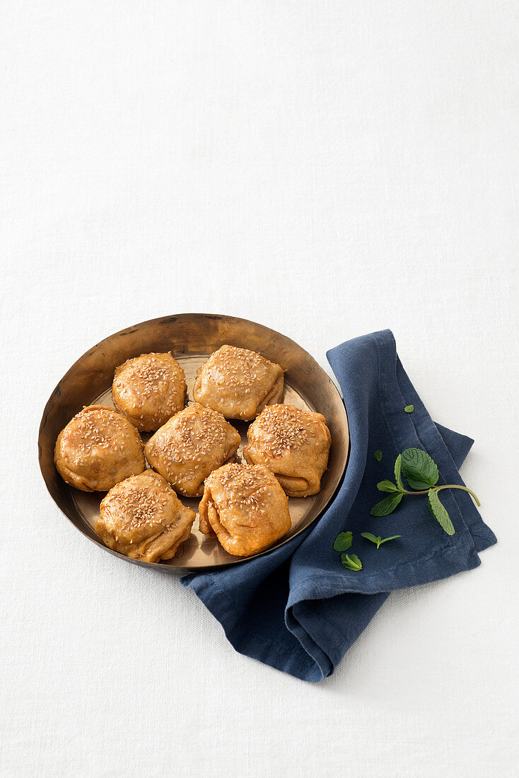 Rghaif aux amandes (pastry parcels filled with almonds, Morocco)