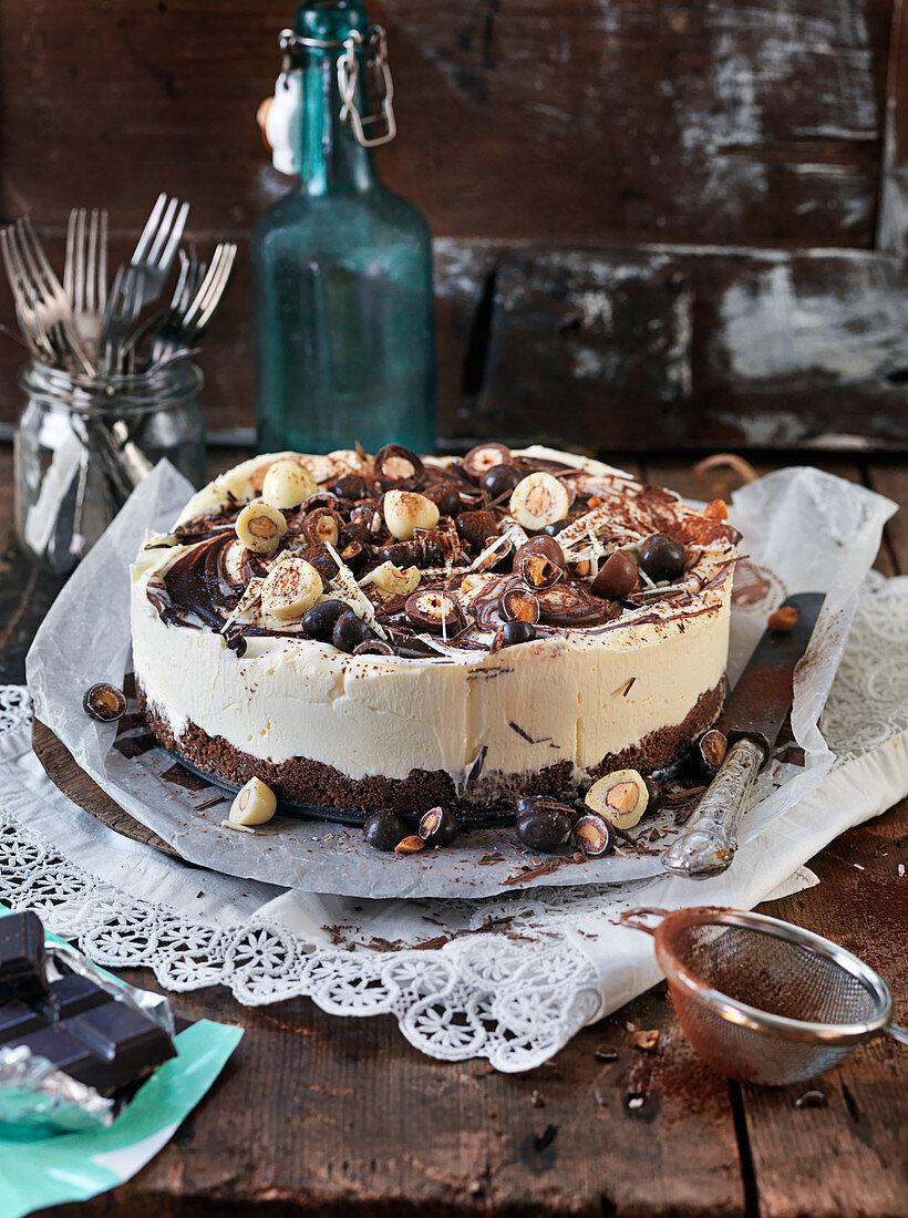 No bake cheesecake with chocolate, candy, and kakao,