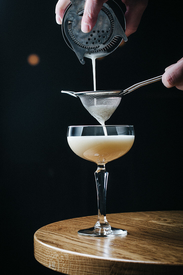 Prepare the cocktail with egg white
