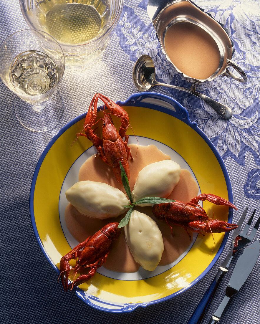 Pike dumplings with crayfish