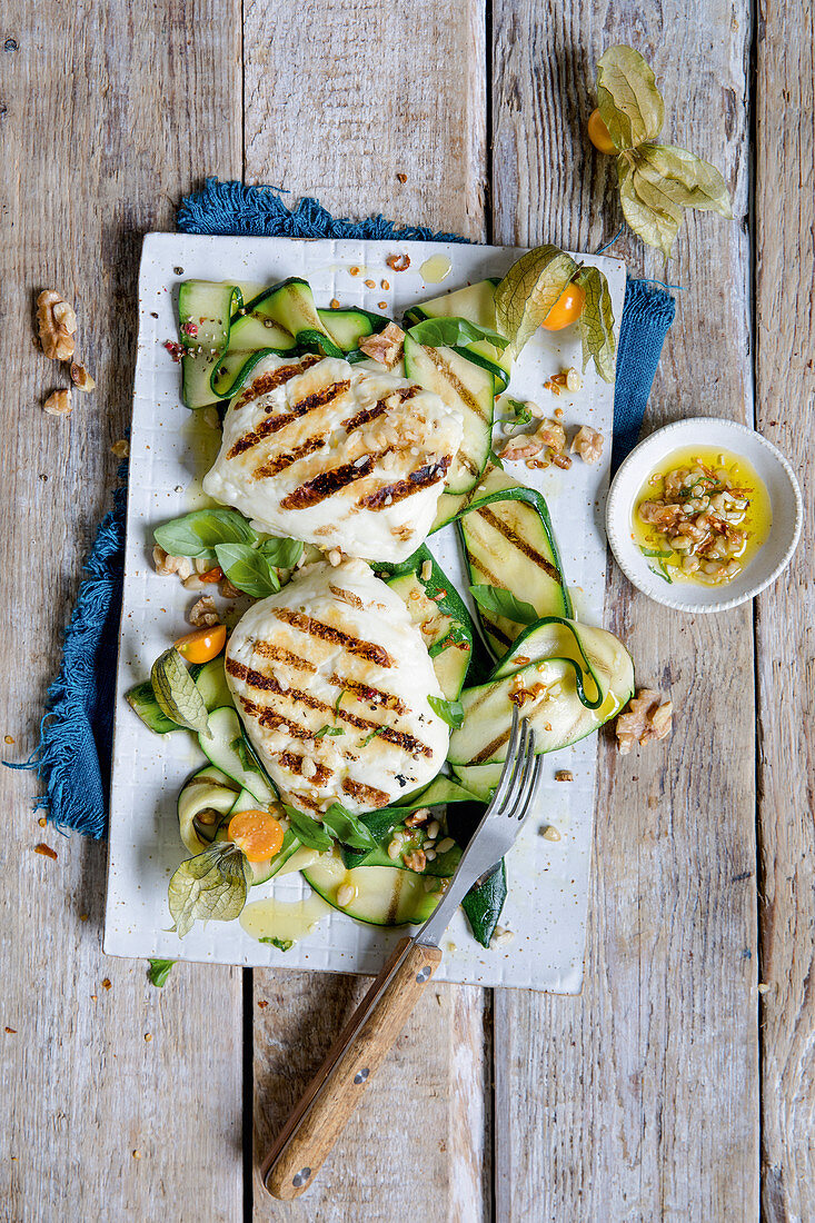 Halloumi with grilled zucchini and nut oil (keto cuisine)