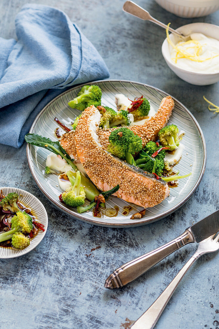 Sesame salmon fillet with Asian vegetables and wasabi (keto cuisine)