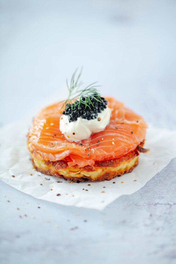 Rösti with homemade salmon, crème fraîche and caviar