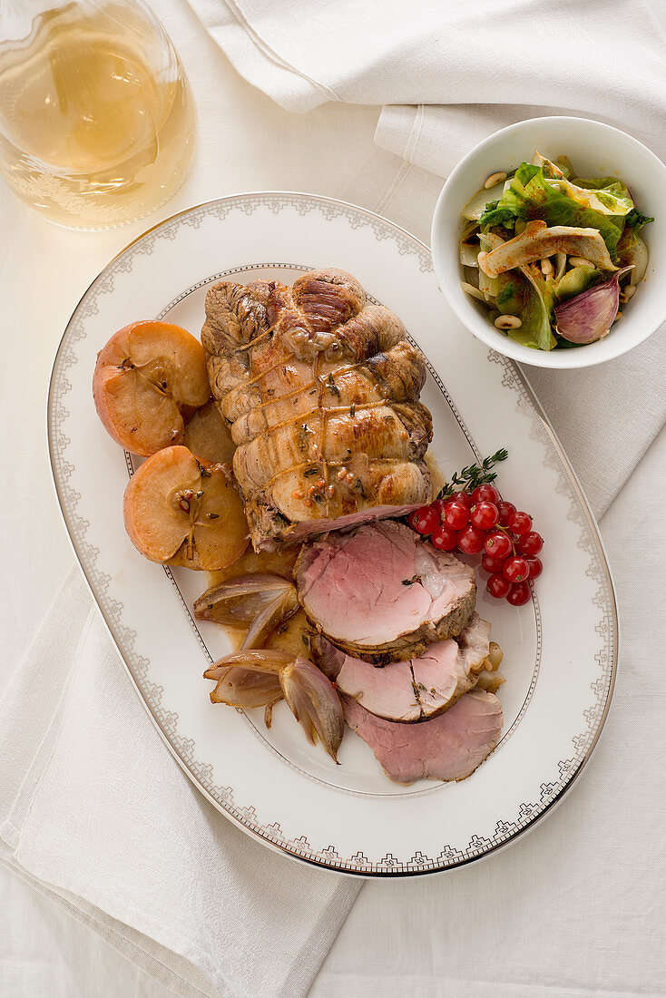 Cold roast veal with cider sauce and apple