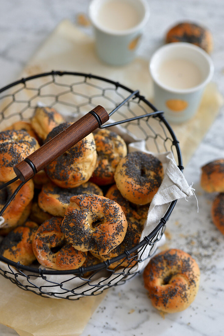 Tiny bagels with poppy seeds