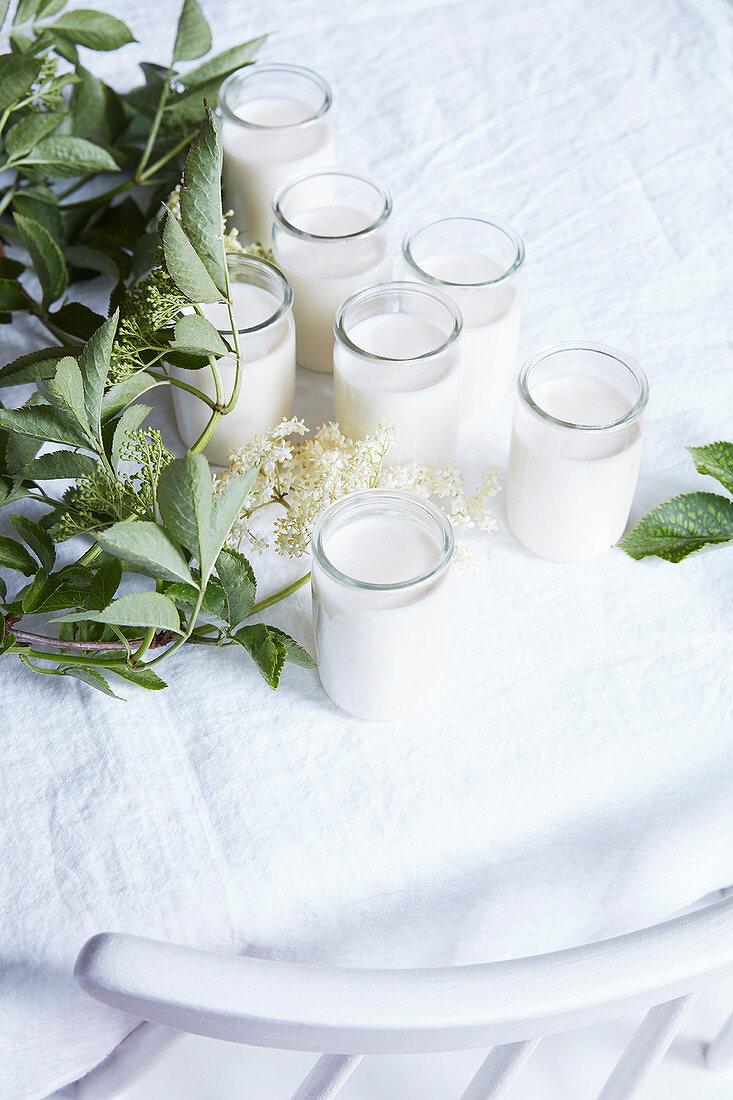 Yoghurt with elderflowers