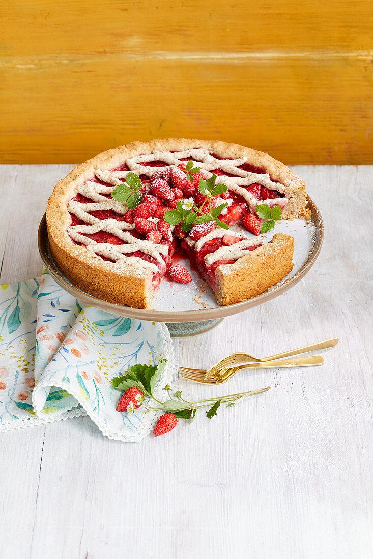 Linzer strawberry cake