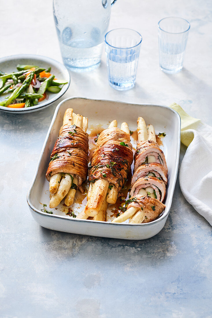 Stuffed veal rolls with asparagus salad