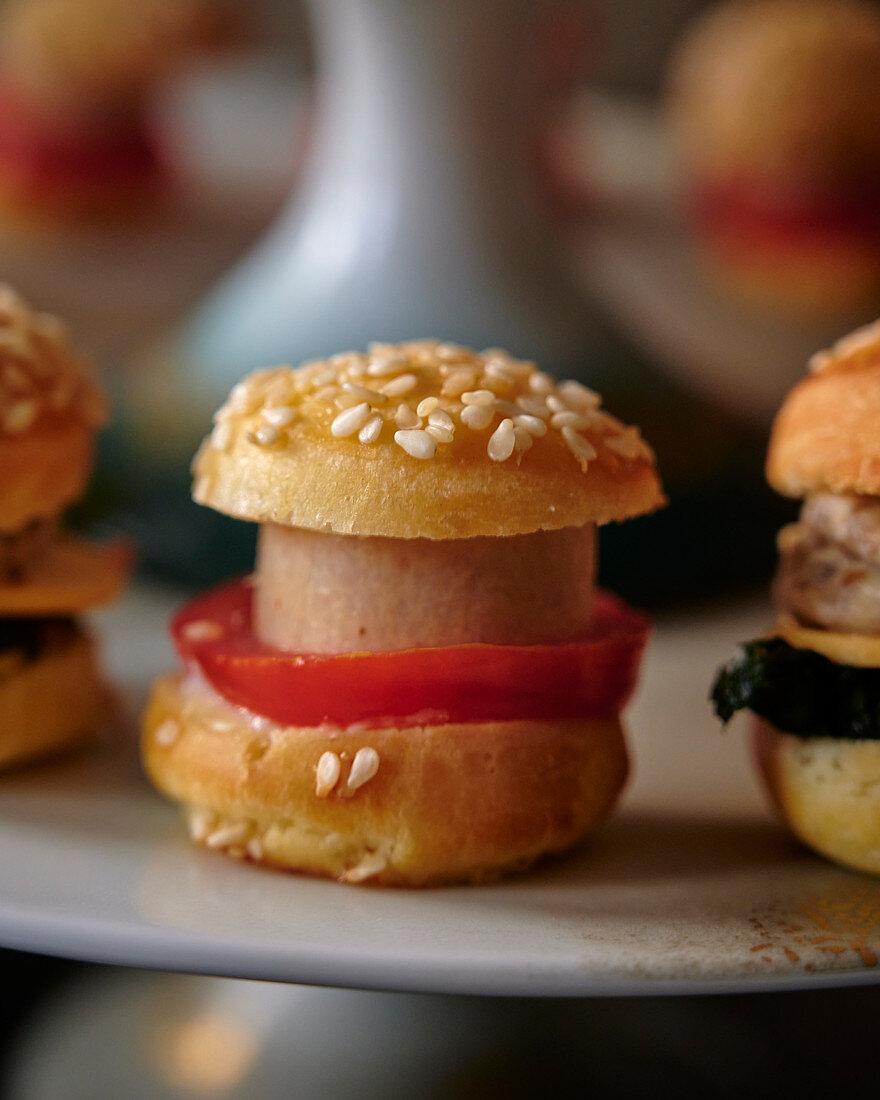 Mini burgers as amuse bouche