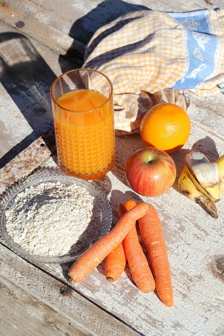 Healthy drink made from fruit, carrots and oat flakes