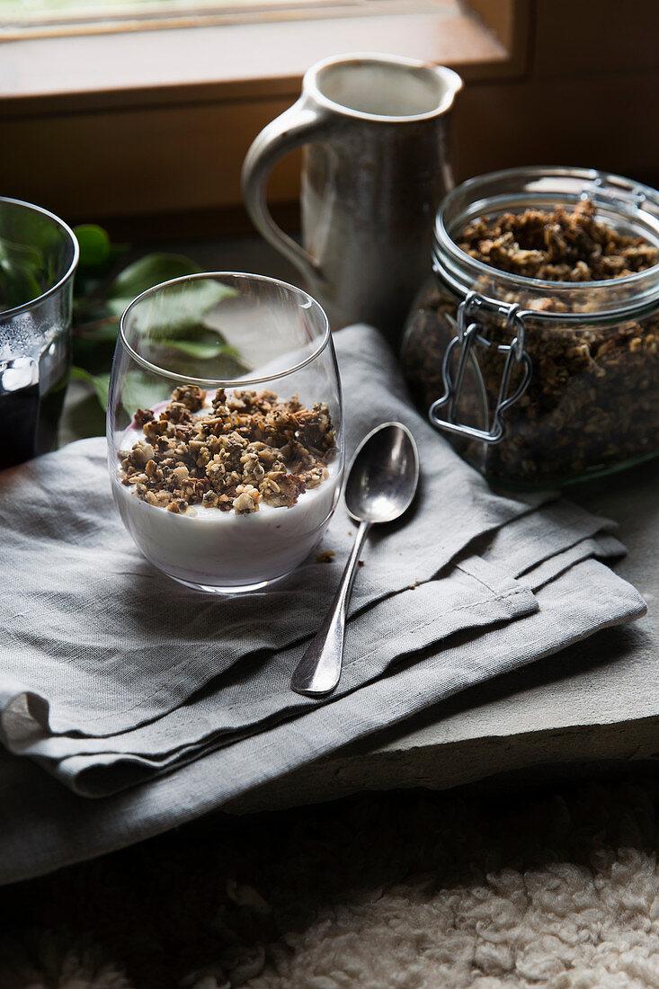 Homemade crunchy muesli with yoghurt
