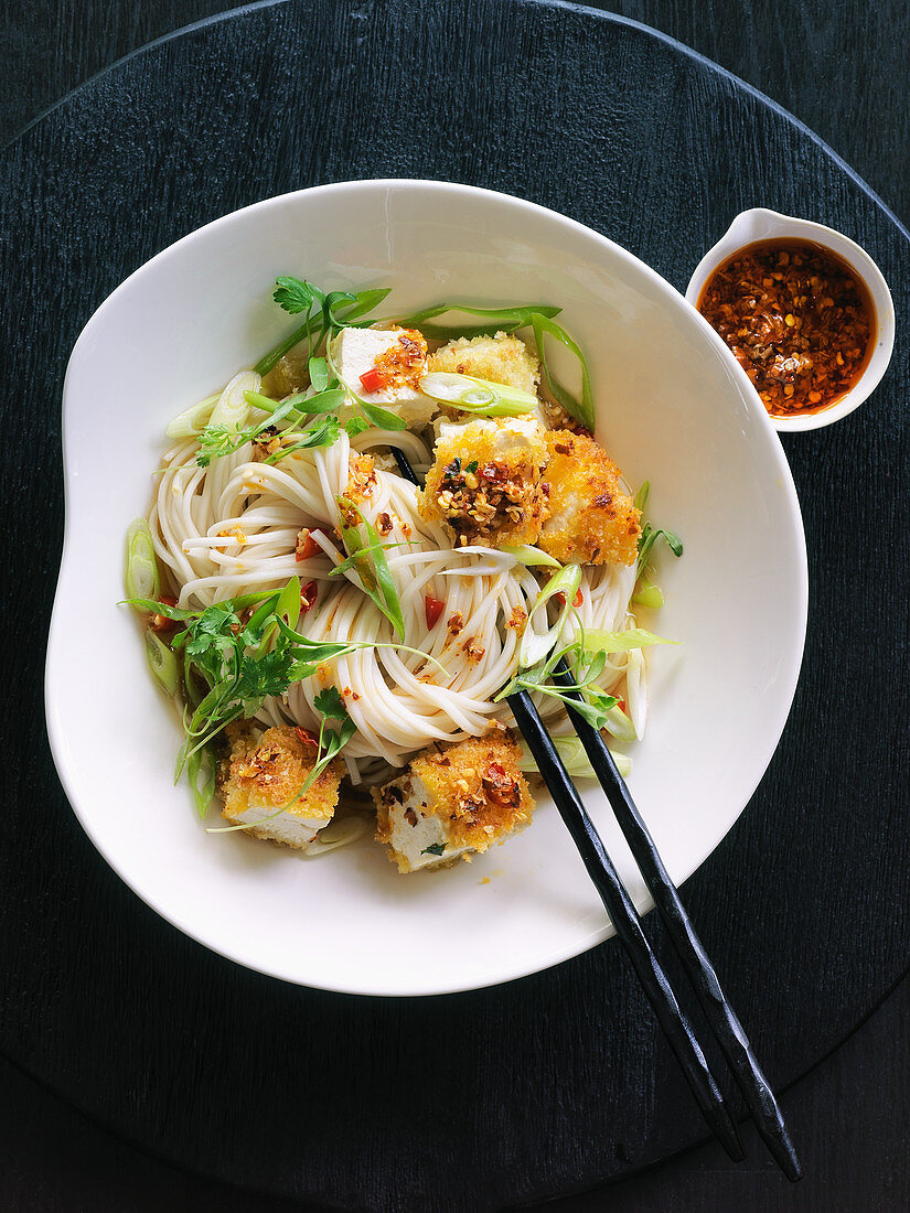 Buddha bowl with crunchy tofu and rice noodles