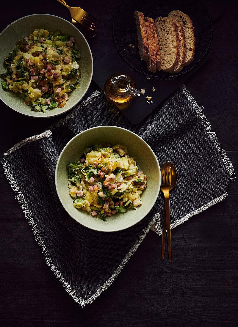 Endive salad with ham