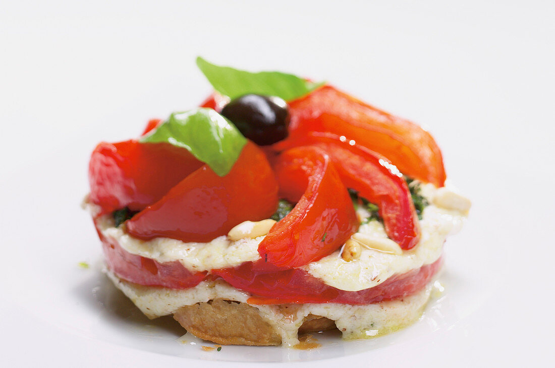 Tomato tart with mozarella and basil