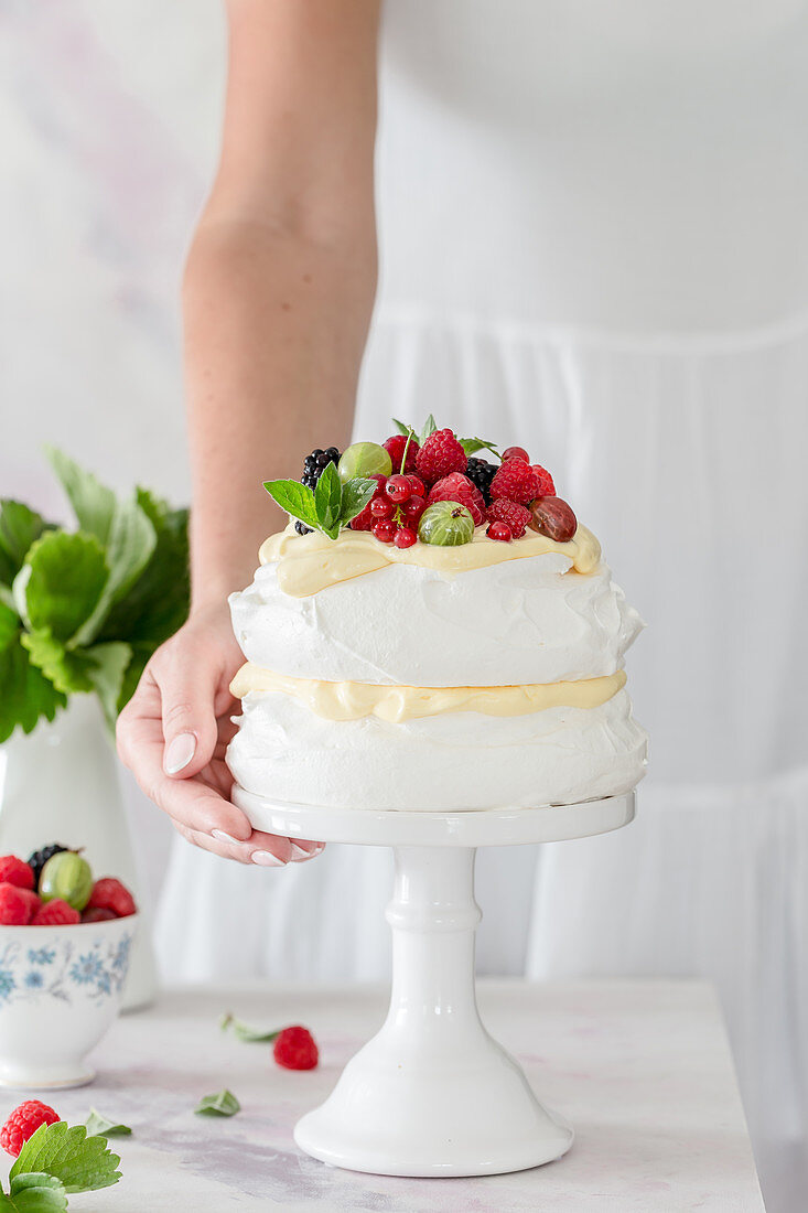 Pavlova with summer berries