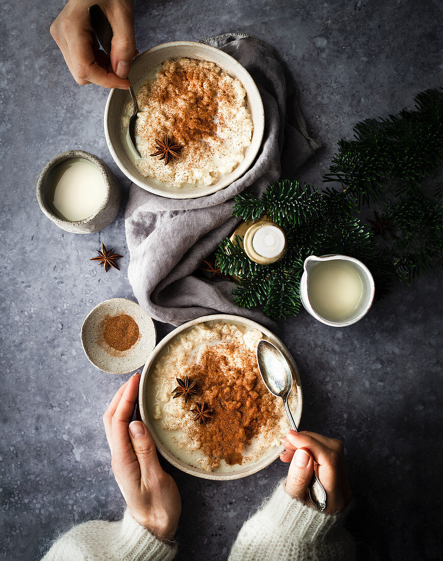 Rice porridge with cinnamon