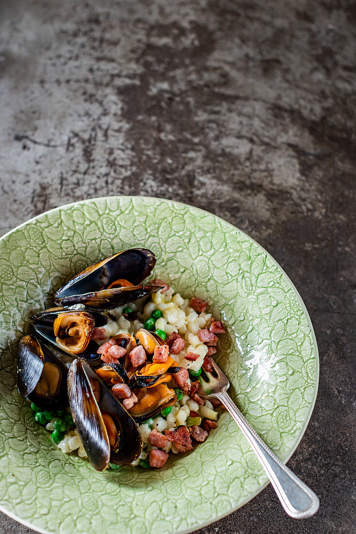 Mussels served with African samp (African mealie rice)