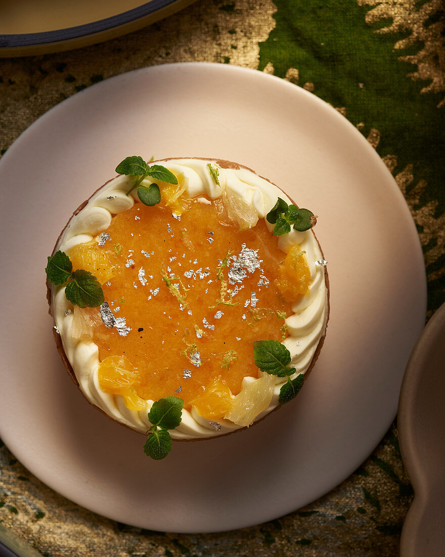 Gateau with candied fruit